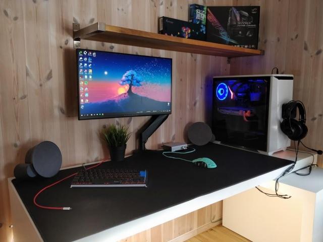PC_Desk_157_96.jpg