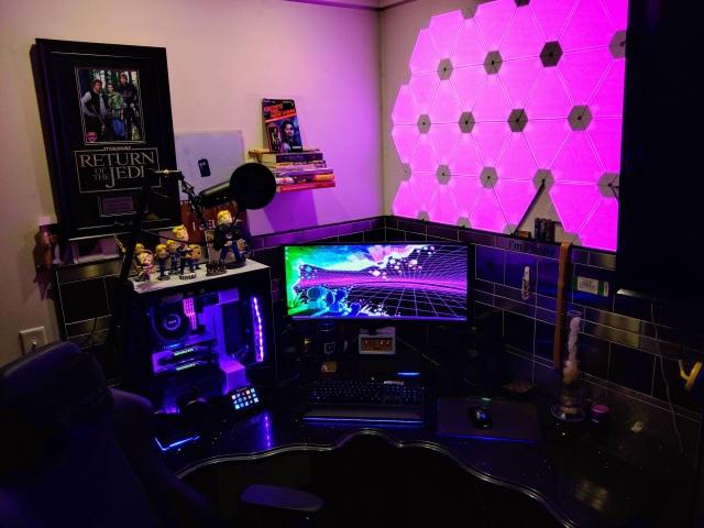 PC_Desk_UltlaWideMonitor41_28.jpg