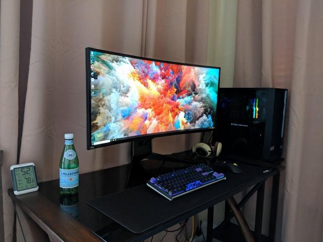 PC_Desk_UltlaWideMonitor41_31.jpg