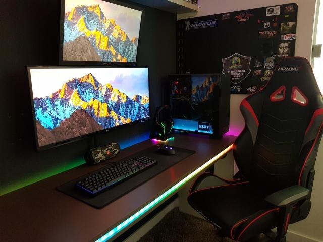 PC_Desk_UltlaWideMonitor41_43.jpg