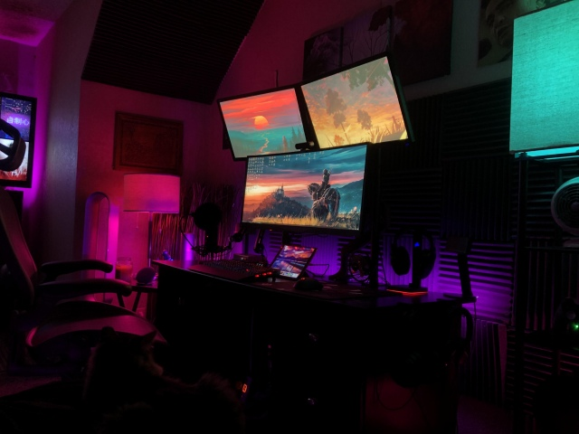 PC_Desk_UltlaWideMonitor41_46.jpg