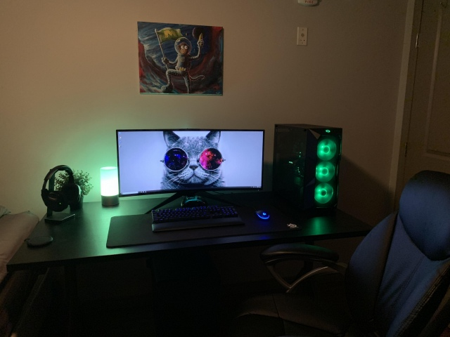 PC_Desk_UltlaWideMonitor41_61.jpg