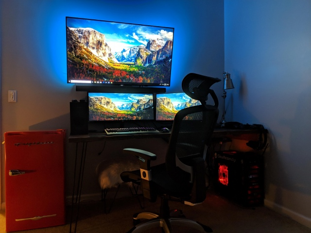 PC_Desk_UltlaWideMonitor41_72.jpg