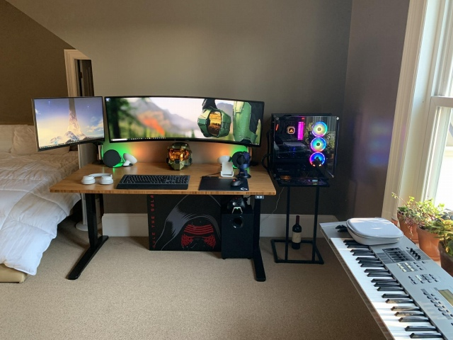 PC_Desk_UltlaWideMonitor41_80.jpg