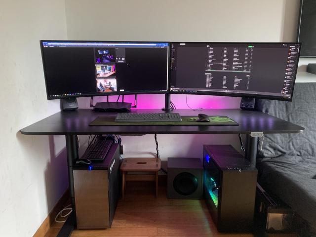 PC_Desk_UltlaWideMonitor41_86.jpg