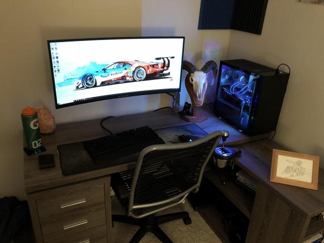 PC_Desk_UltlaWideMonitor42_09.jpg