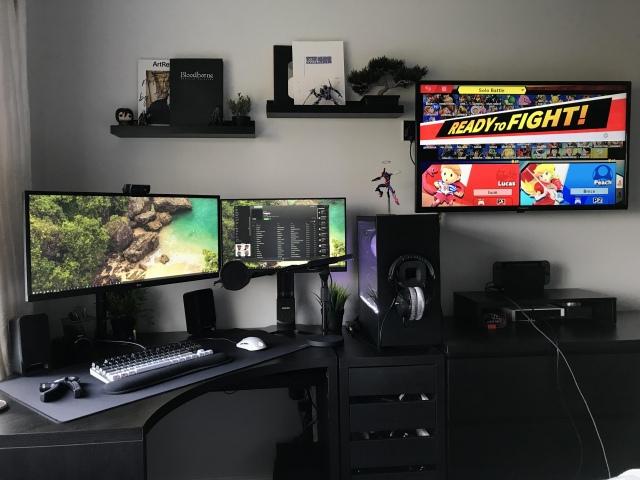PC_Desk_UltlaWideMonitor42_12.jpg
