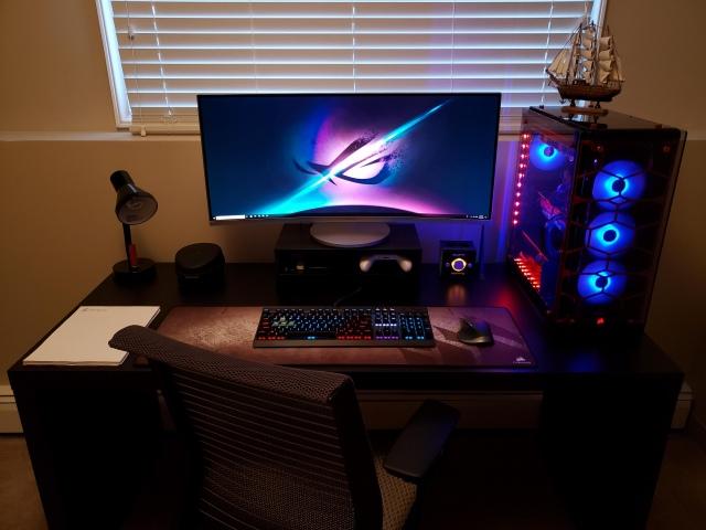 PC_Desk_UltlaWideMonitor42_14.jpg