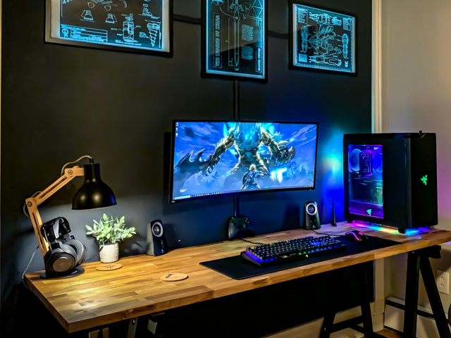 PC_Desk_UltlaWideMonitor42_19.jpg
