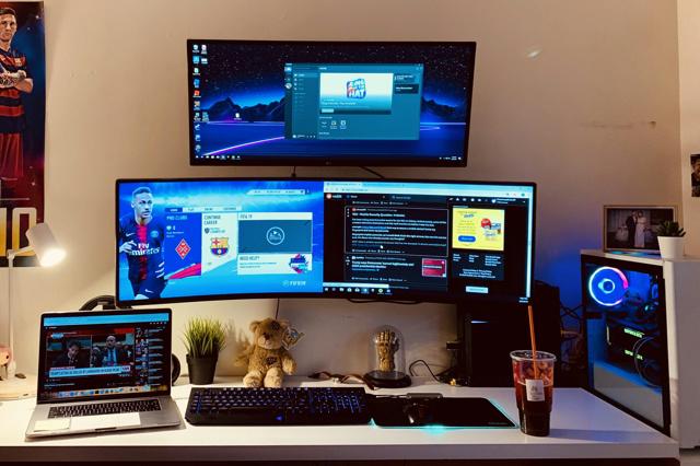 PC_Desk_UltlaWideMonitor42_20.jpg