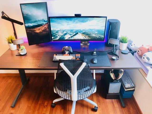 PC_Desk_UltlaWideMonitor42_45.jpg