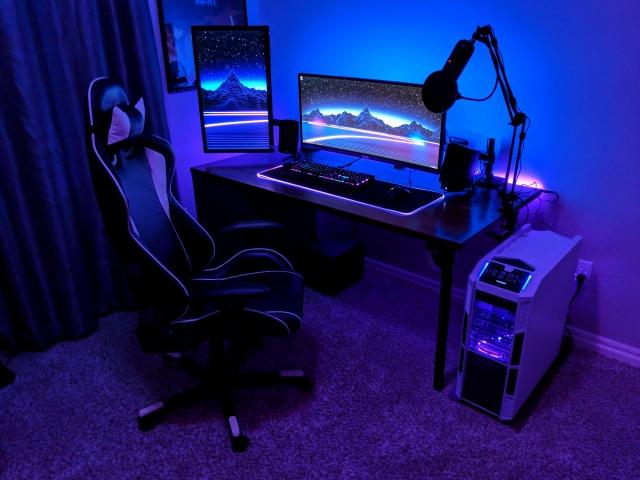 PC_Desk_UltlaWideMonitor42_54.jpg