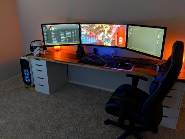 PC_Desk_UltlaWideMonitor42_72.jpg