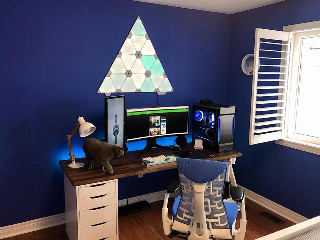 PC_Desk_UltlaWideMonitor42_78.jpg