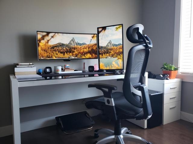 PC_Desk_UltlaWideMonitor42_88.jpg