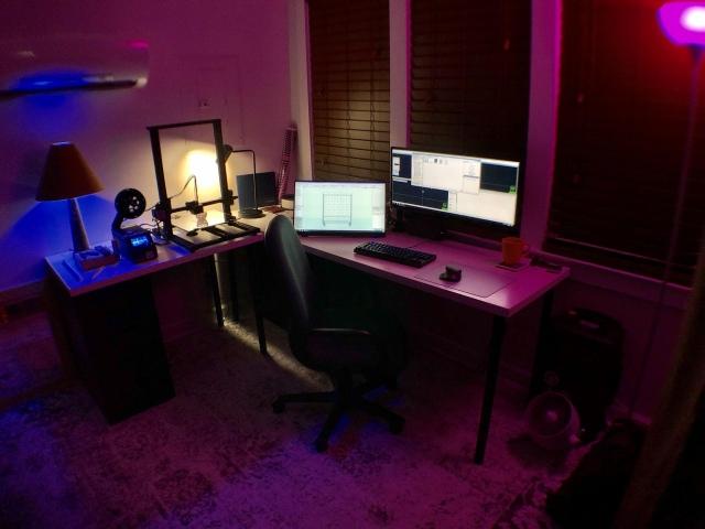PC_Desk_UltlaWideMonitor42_94.jpg