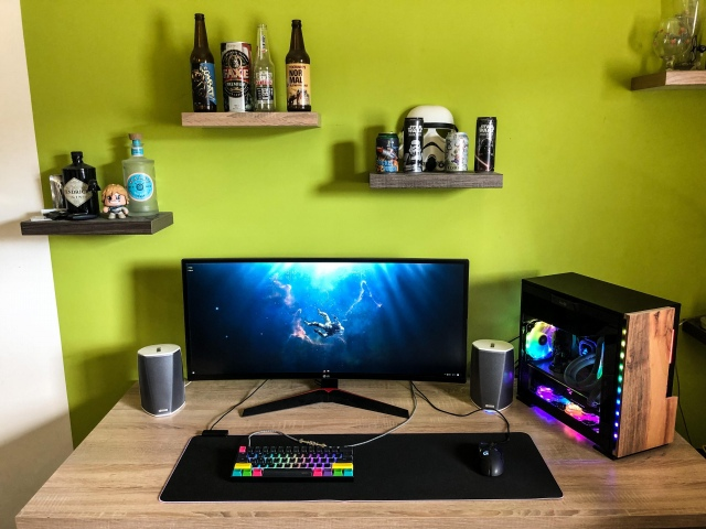 PC_Desk_UltlaWideMonitor43_46.jpg