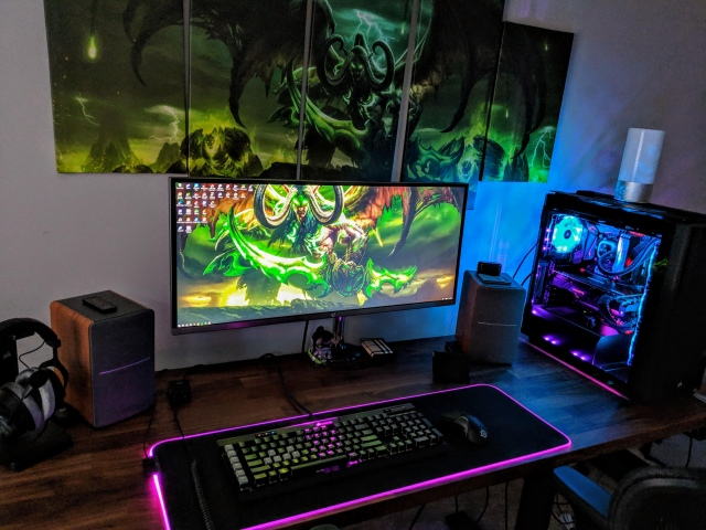 PC_Desk_UltlaWideMonitor43_47.jpg