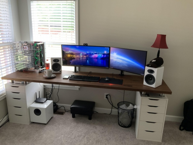 PC_Desk_UltlaWideMonitor44_51.jpg