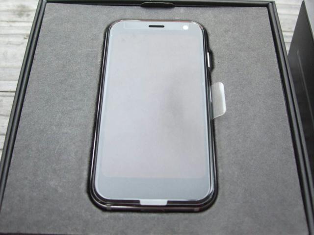 Palm_Phone_03.jpg