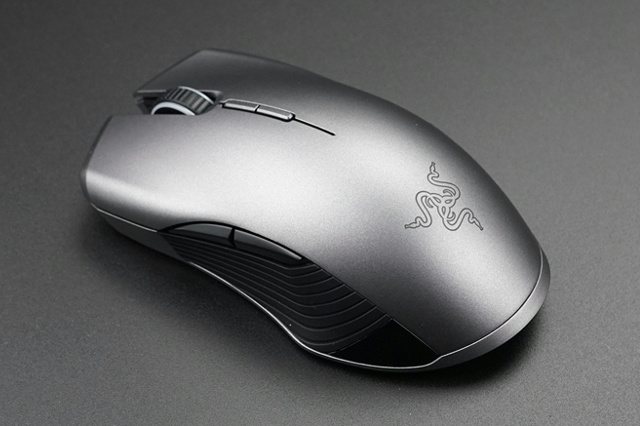 Razer_Lancehead_Wireless_04.jpg