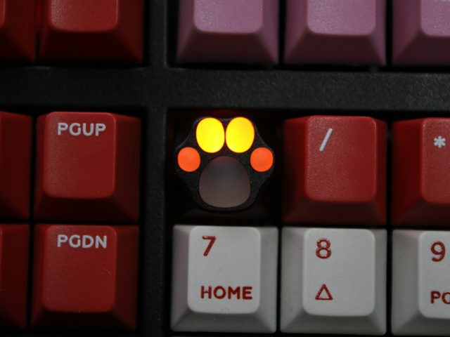 ZOMO_Kitty_Paw_White_Pink_KeyCap_13.jpg