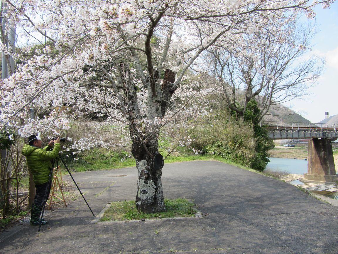 5.「列車を待つ」(岡山・金川津山線)
