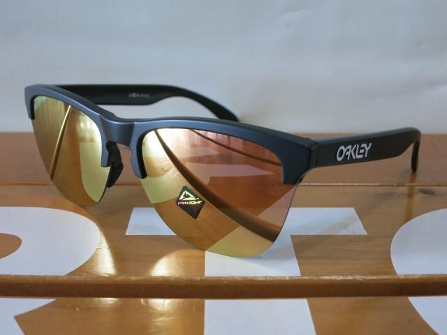 Oakley19FrogskinsLite4