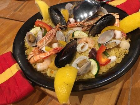 スペイン料理で大盛り上がり!