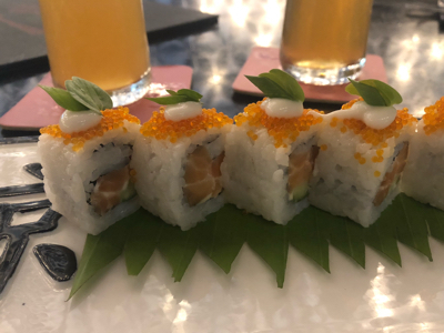 Salmon Uramaki Roll