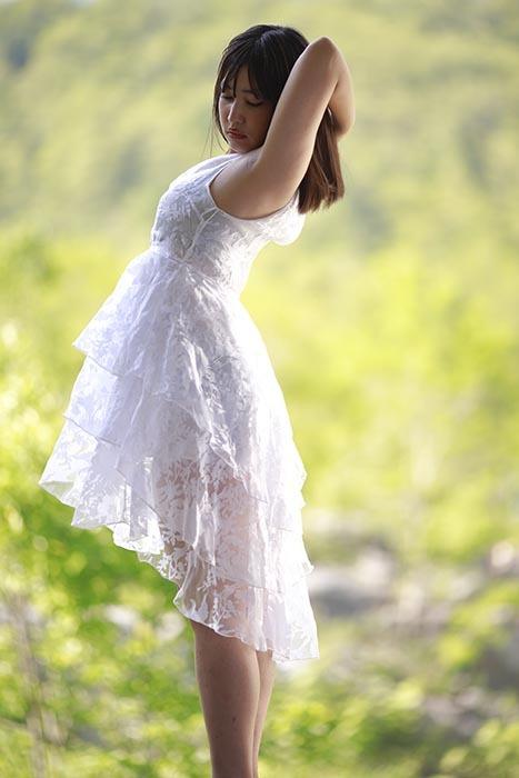 あいり:白ドレス