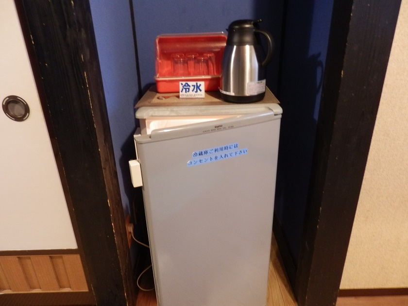 冷蔵庫、冷水ポット