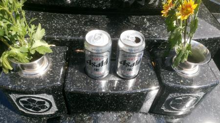お墓参り1ビール