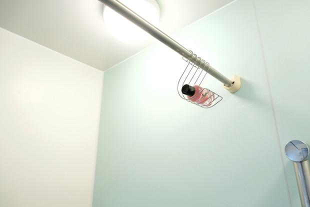 セリア・ハンギング ステンレスソープホルダー・浴室②