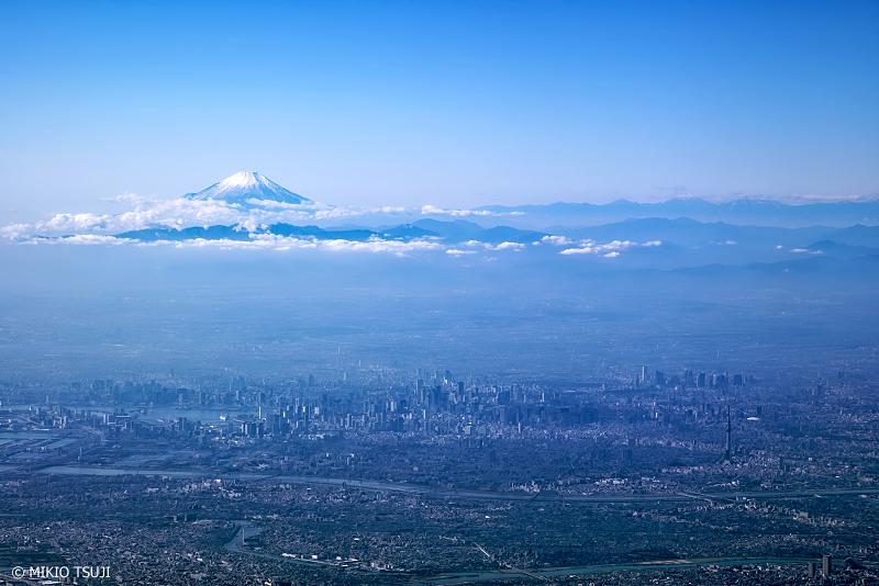 絶景探しの旅 - 0875 東京都心に浮く富士山 (東京上空)