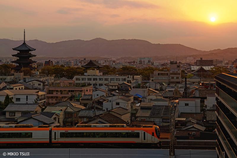絶景探しの旅 - 0928 東寺の見える夕暮れ時の風景 (京都市 南区)