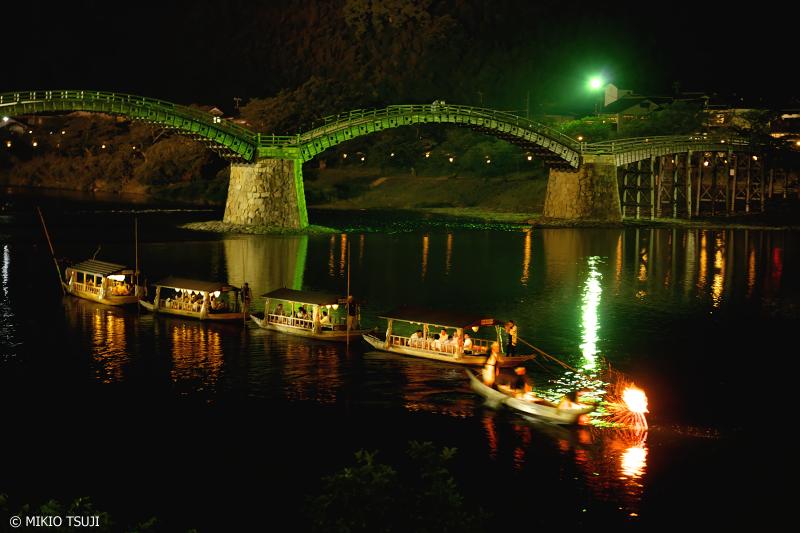 絶景探しの旅 - 0976 夏の風物詩 錦帯橋の鵜飼船 (山口県 岩国市)
