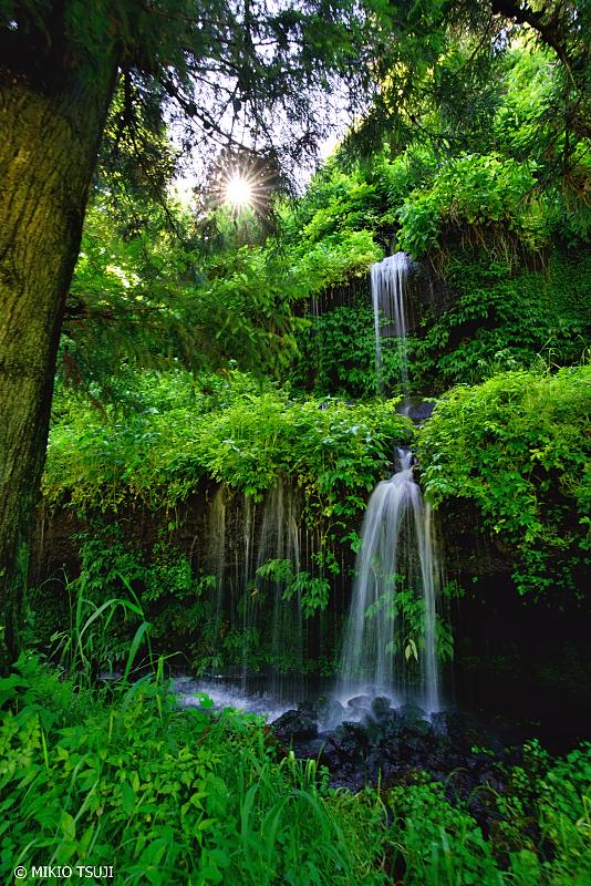 絶景探しの旅 - 0992 湧き水の2段の滝 (山梨県 都留市)